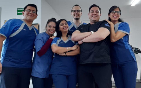 http://clinicaderodillas.com.mx/images/equipo-clinica-rodillas-dr-palma.jpg